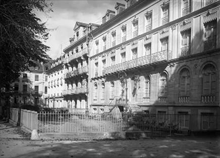 Palais d'Etigny et Grand Hôtel