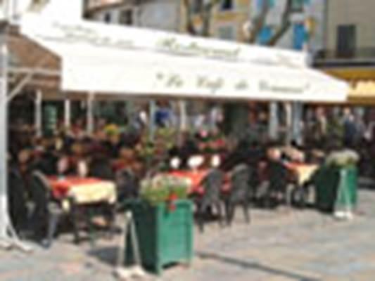 Café du COMMERCE à Aigues-Mortes