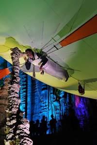 Vol en Aéroplume dans la Grotte de la Salamandre