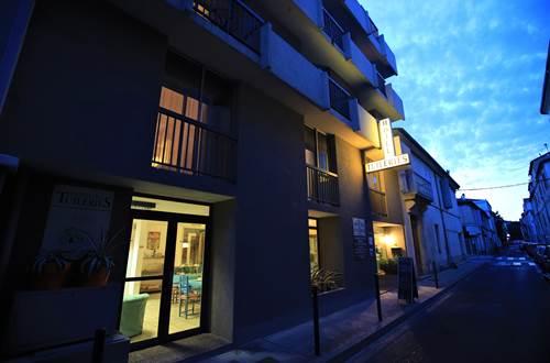 Hotel des Tuileries, Nimes - dans une rue calme ©