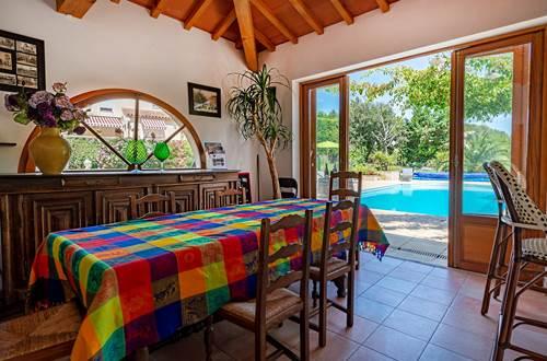 Casa-Dina-pool-house-espace-convivial ©