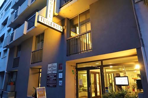 Hotel des Tuileries, centre Nîmes, rue calme proche gare SNCF ©