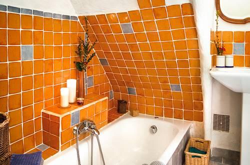 chambre orange la vieille maison durfort ©