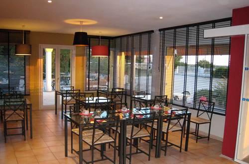 pouzilhac;gard;hotel;restaurant © Deschamps