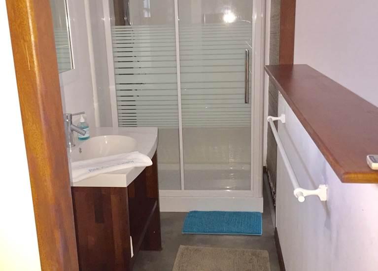 Poé côté lagon - Salle de douche